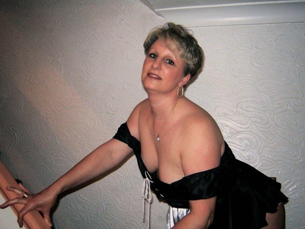 Alte AO-Lady zum blank ficken