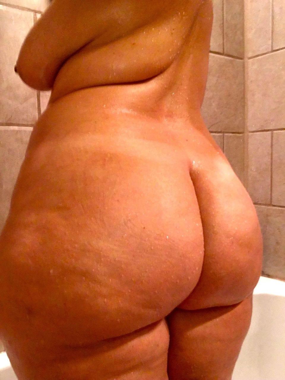 Alte Frau in fetten Arsch ficken