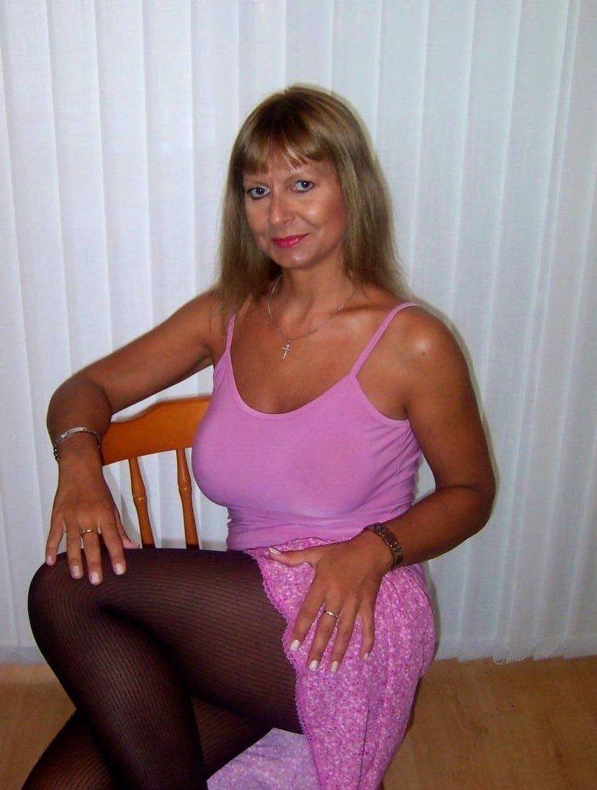 Attraktive Oma erotische Treffen