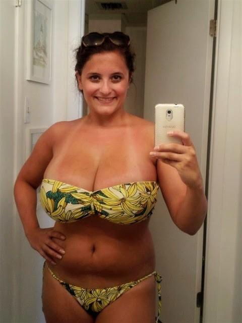 Sehr großbusige, 45-jährige Dame sucht geile Sexabenteuer