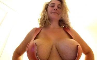 Notgeile Mutter sucht Treffen